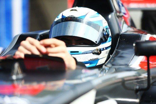 """Nico Pino y la tercera fecha de la F4 británica: """"No basta con hacer una vuelta buena, la clave es buscar la consistencia"""""""